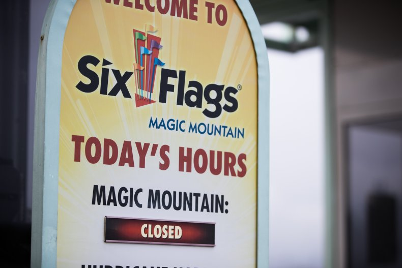 Six Flags Nationwide Plan Reopening For Summer, Thousands of Seasonal Staff to Be Hired 1