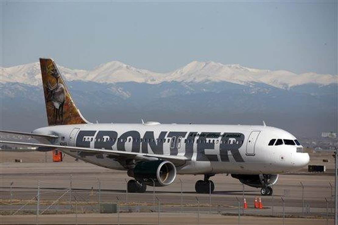 Passengers Acuse Frontier Airlines of Kicking Jewish Family Off Flight Over Mask-less Baby 1