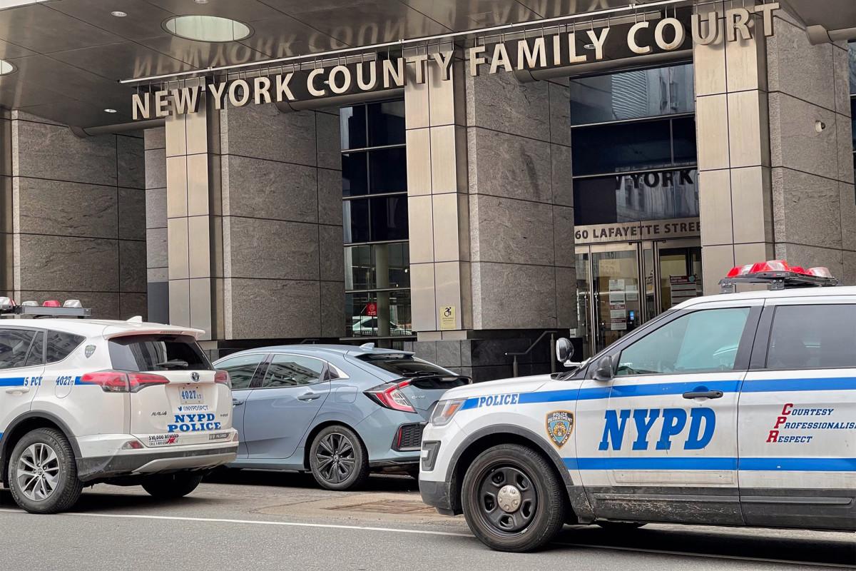 Court officer kills himself inside NYC court bathroom 1