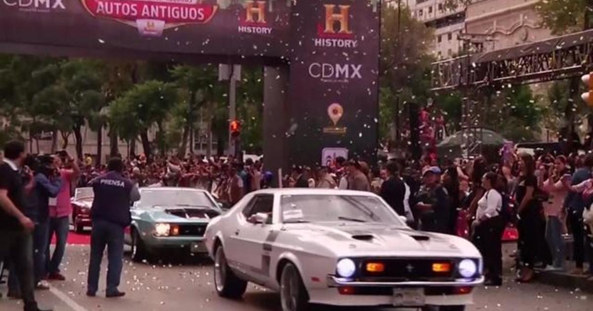 Watch: Mexico City breaks classic car record 1