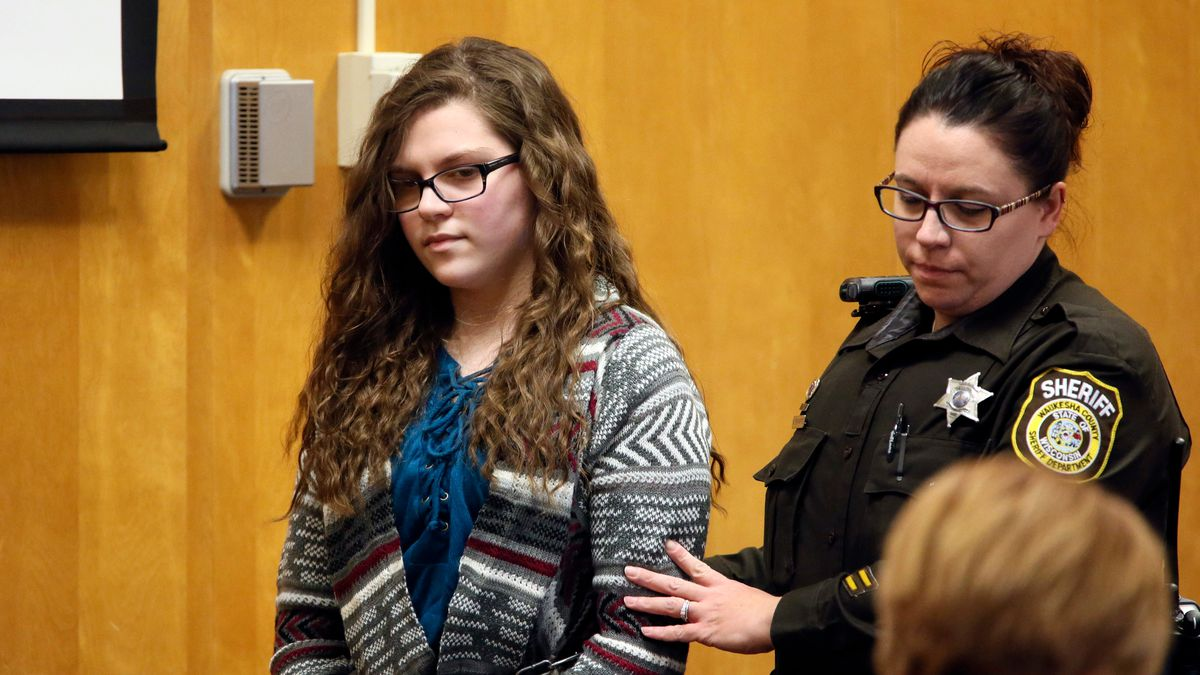 Woman convicted in Slender Man stabbing of classmate still dangerous, prosecutor tells court 1