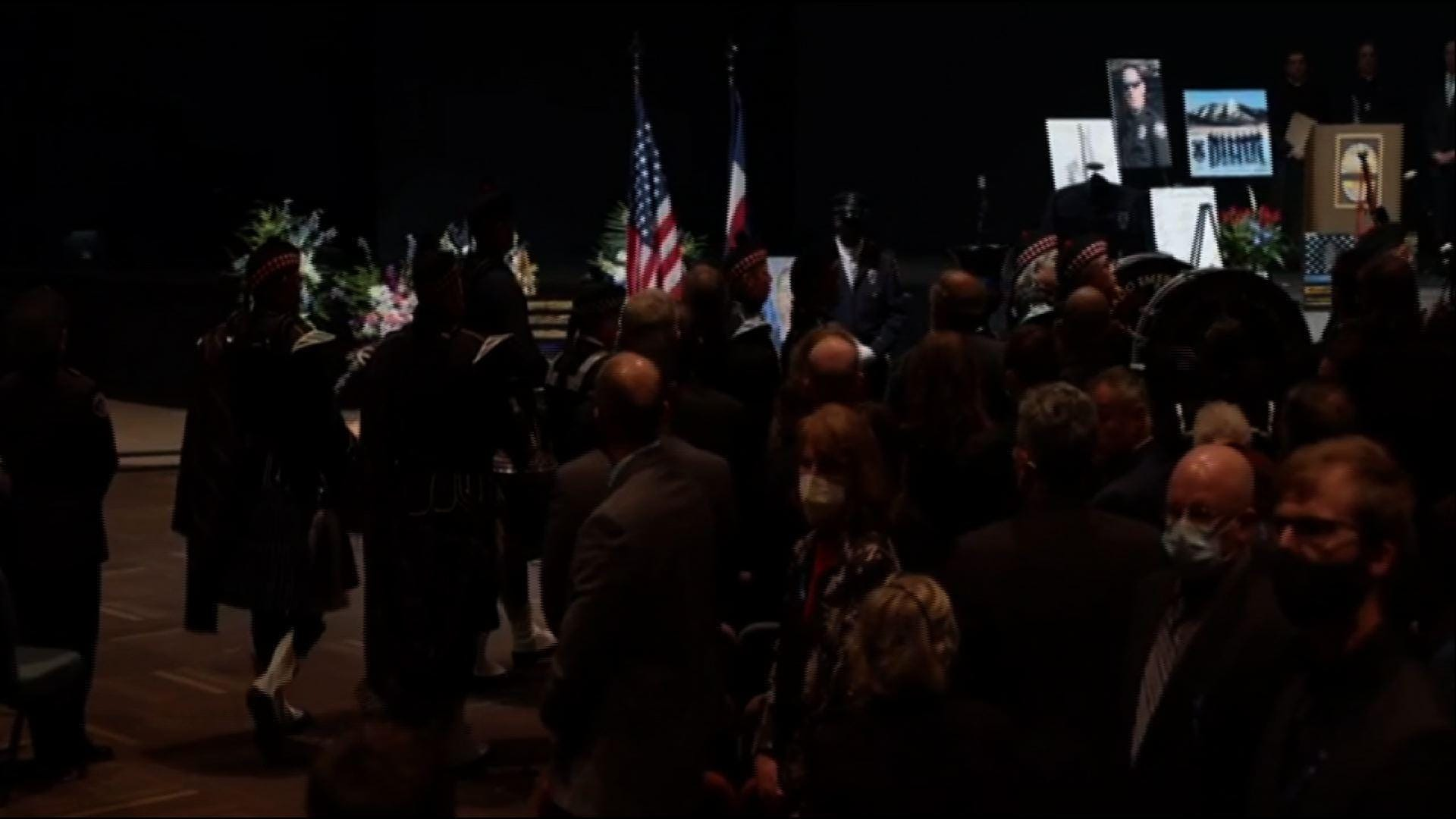 Tributes for slain Colo. officer at memorial service 1