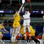 Top-seeded Illinois cruises past Drexel to open NCAA Tournament 5