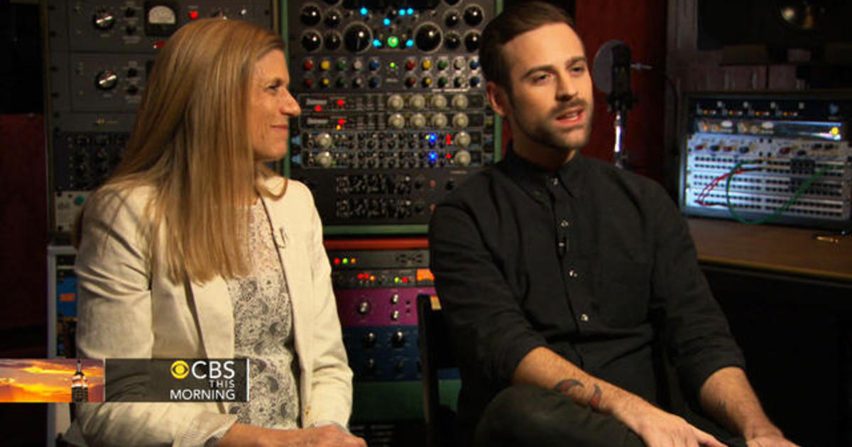 Preview: Ryan Lewis opens up about his mother 1