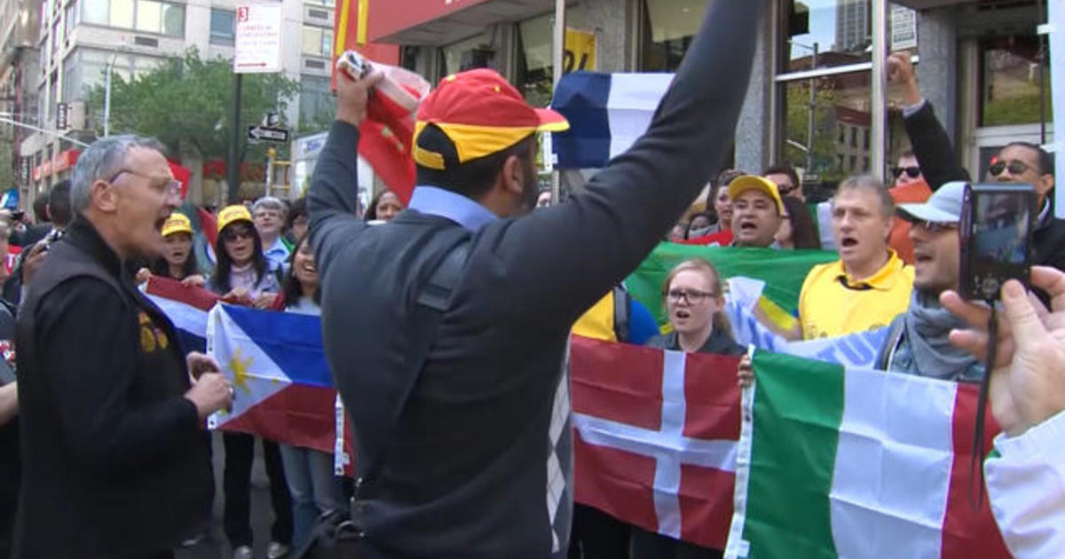 Fast food worker wage protest goes global 1