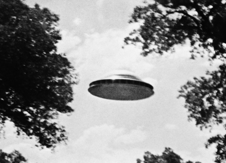More 'Difficult to Explain' UFO Sightings to Be Declassified, Says Former Trump Intel Chief 1
