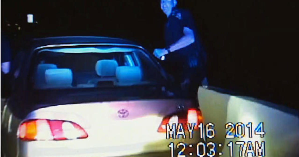 Watch: Texas police officer forced to jump off bridge 1