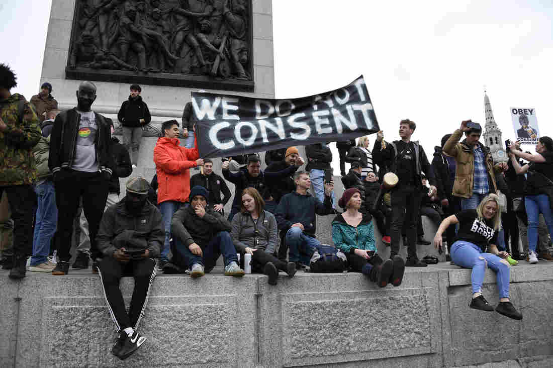 Protesters Across Europe Clash With Police Over COVID-19 Lockdowns 1