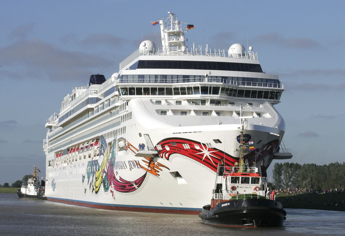 Cruise lines pressure CDC to lift coronavirus sailing restrictions in bid for Biden's 'return to normal' 1