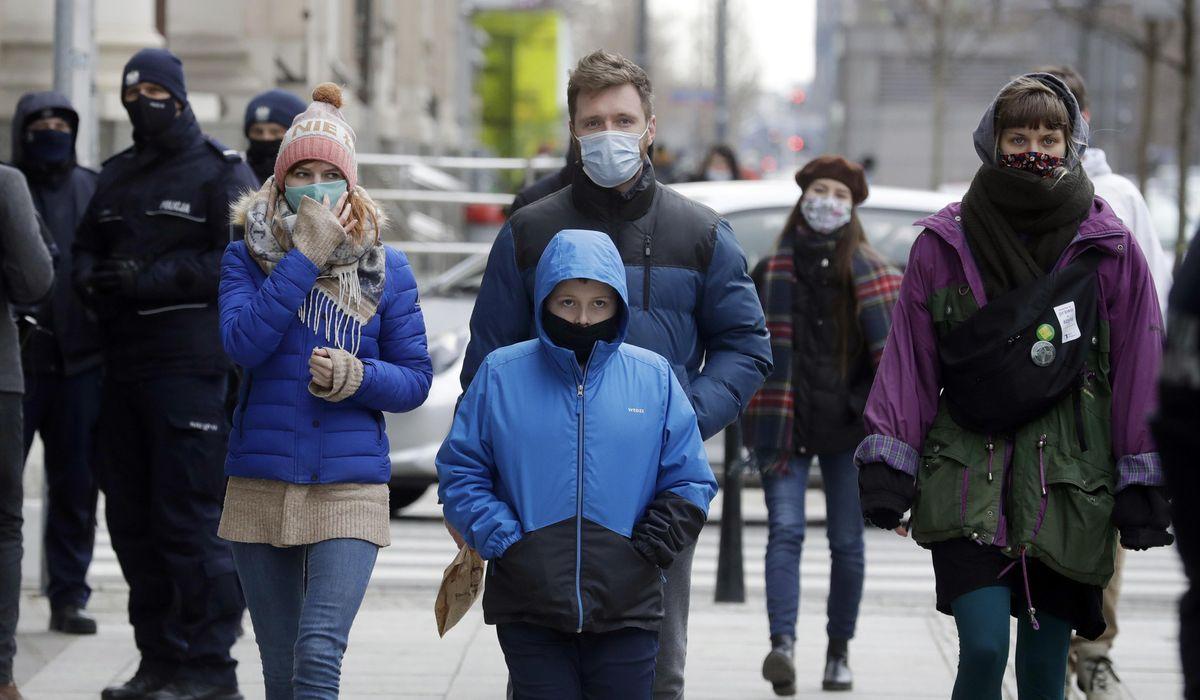 Poland records new record virus high as hard lockdown looms 1