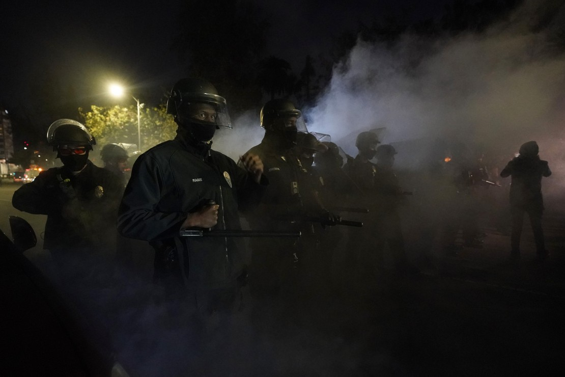 Riot Police Clash With Hundreds of Homeless in Los Angeles 1