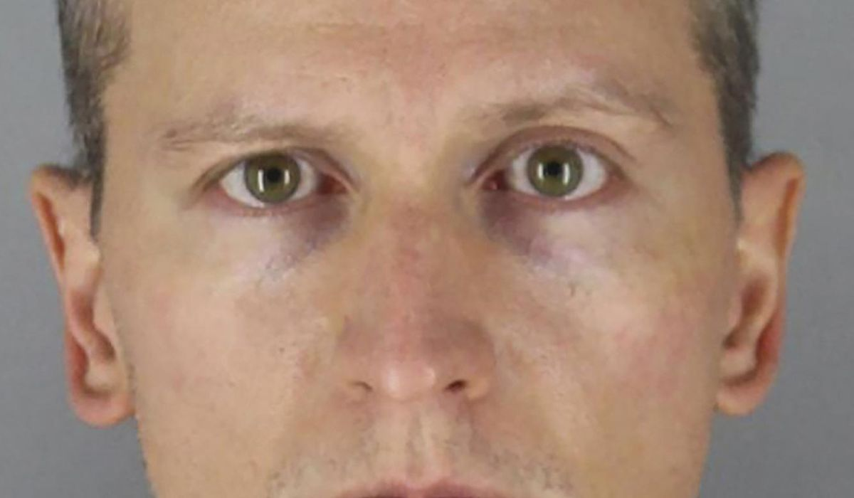Minnesota court weighs murder charge in ex-officer's trial 1