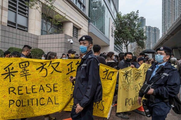 Hundreds in Rare Hong Kong Protest as Opposition Figures Are Charged 1