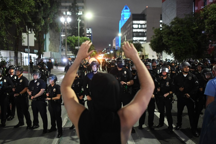 Two more reports find fault in LAPD's handling of summer protests 1