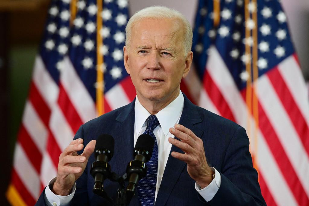 Biden in favor of providing COVID-19 vaccines to illegal immigrants 1
