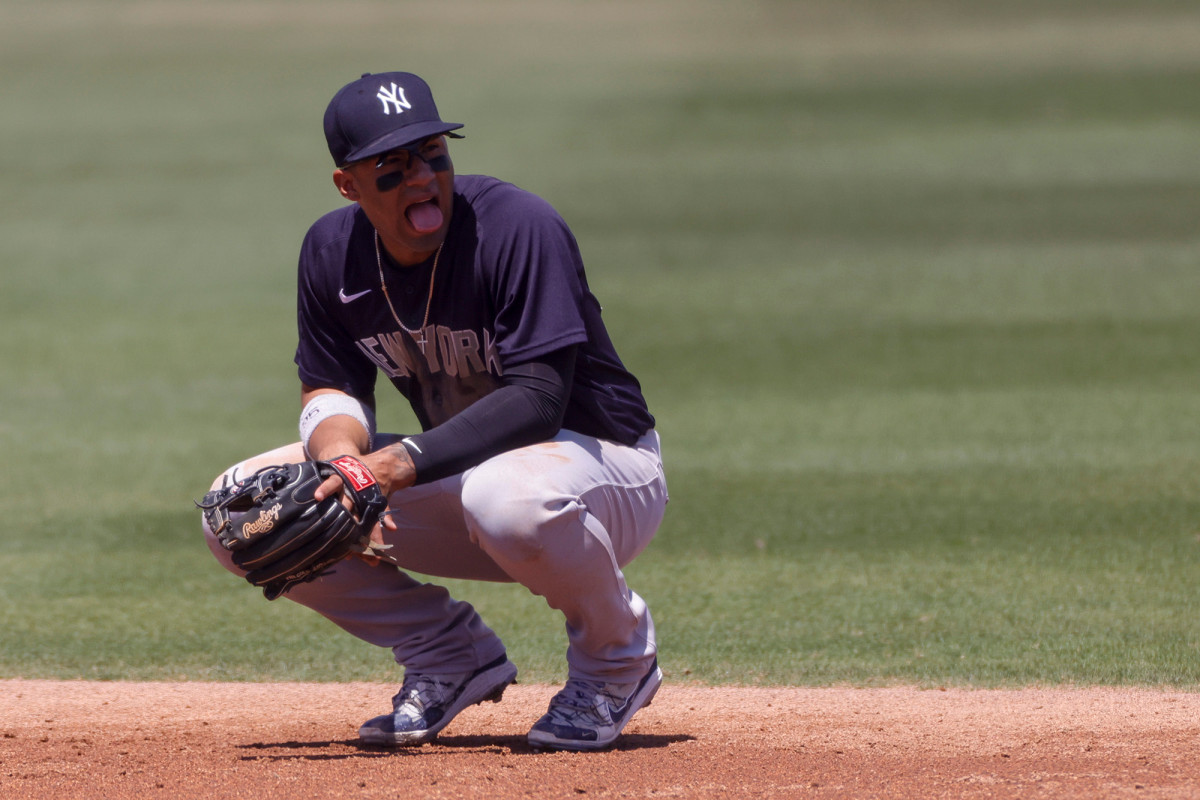 Gleyber Torres' fielding woes return in rough Opening Day 1