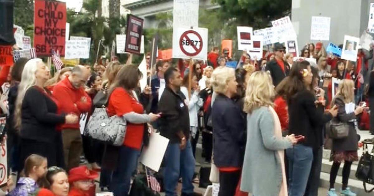 Crowd protests California's mandatory vaccination bill 1