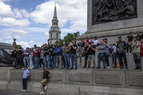 London Police Officer Convicted of Membership in Neo-Nazi Group 1