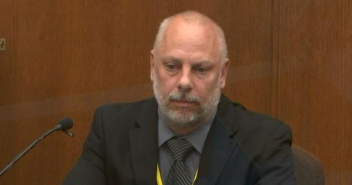 Derek Chauvin's ex-boss says he should've removed knee after George Floyd was not resisting 1