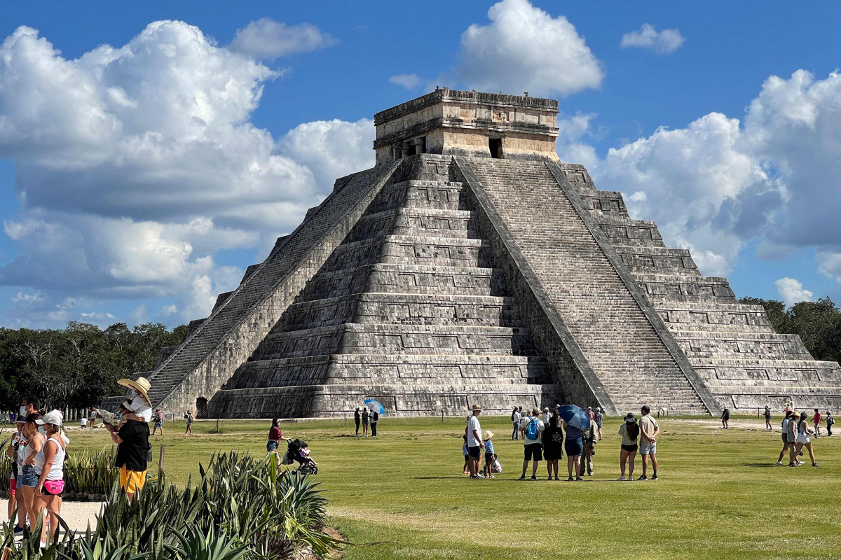 Mexico closing Mayan ruin site because of maskless tourists 1