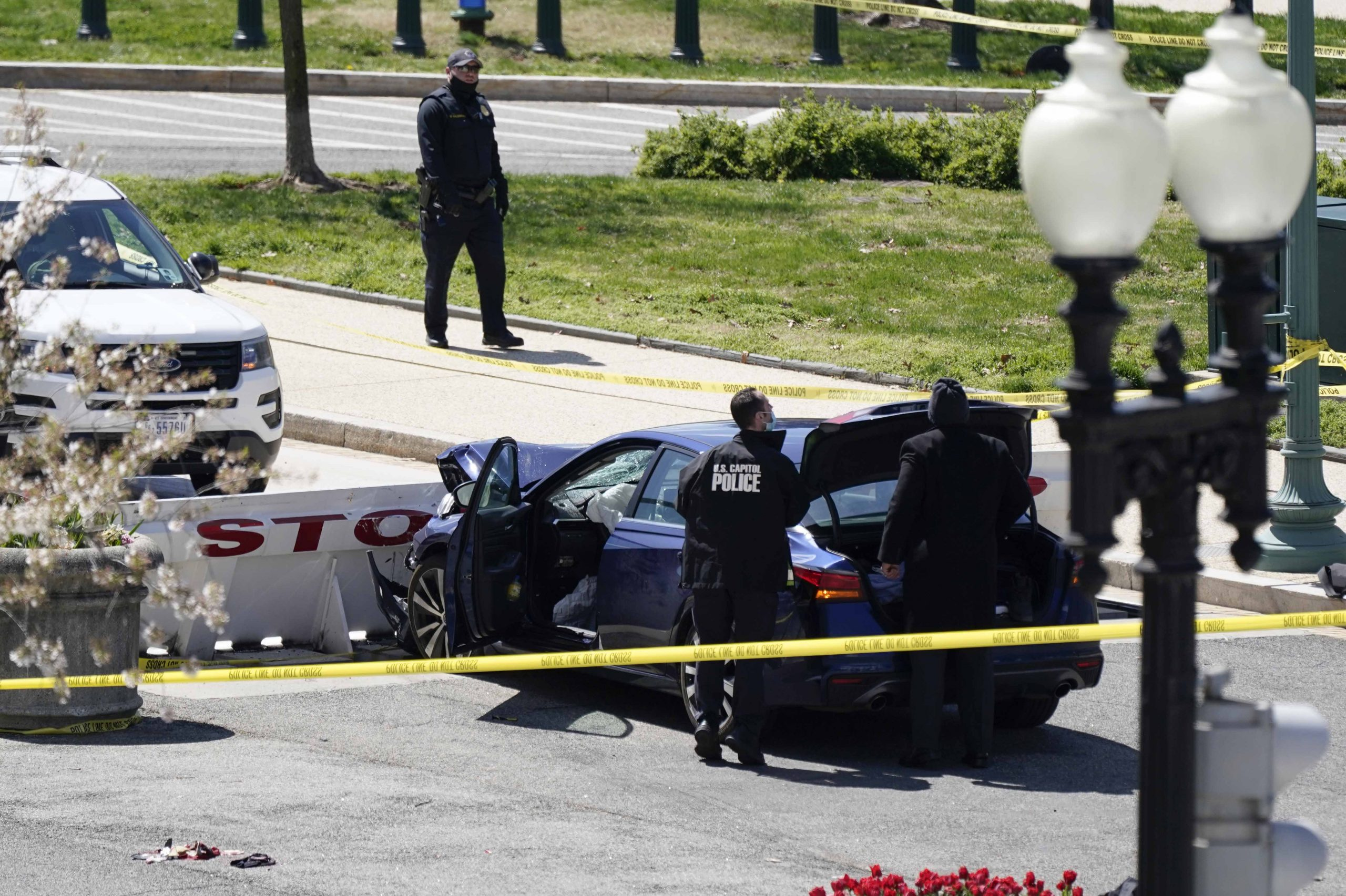 Capitol locked down after crash injures officers 1
