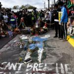 Oklahoma passes a law that can protect drivers who run over protesters 14