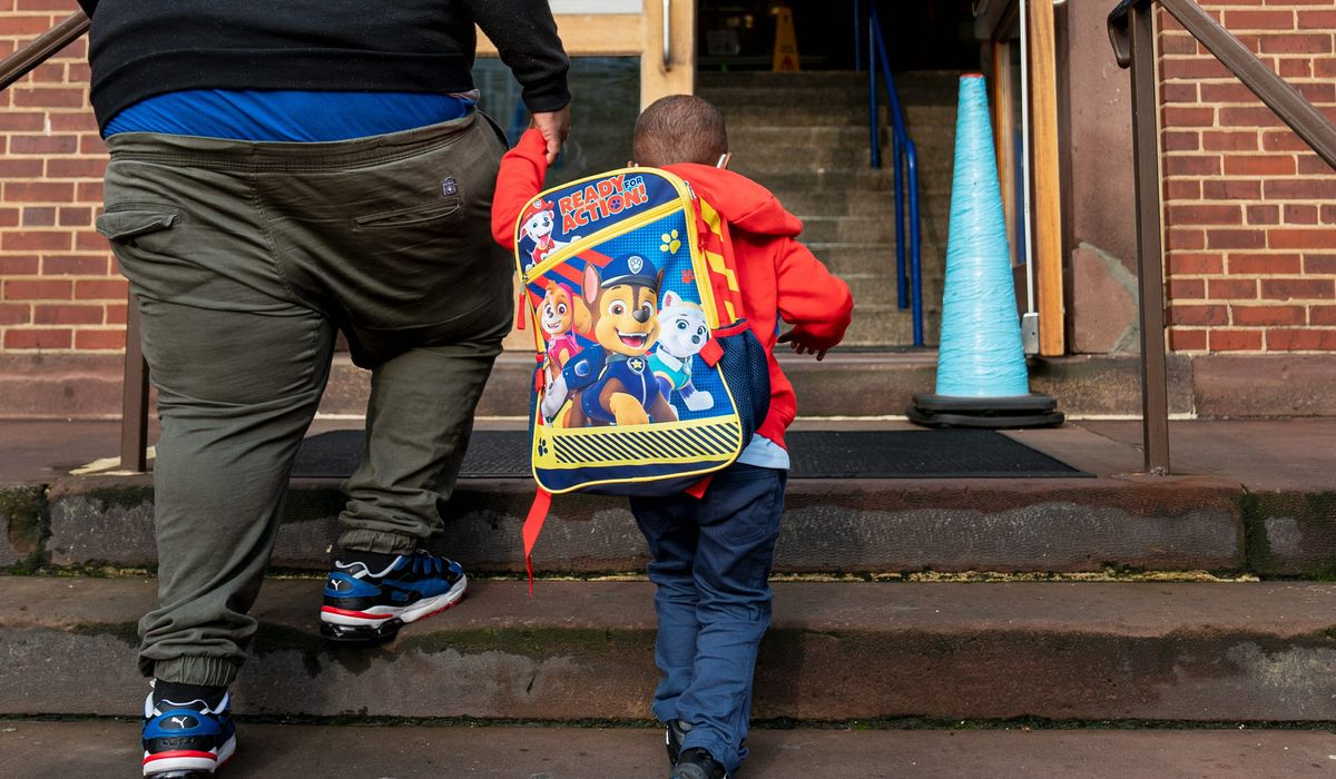 Education advocates urge D.C. Public Schools not to cut teaching jobs 1