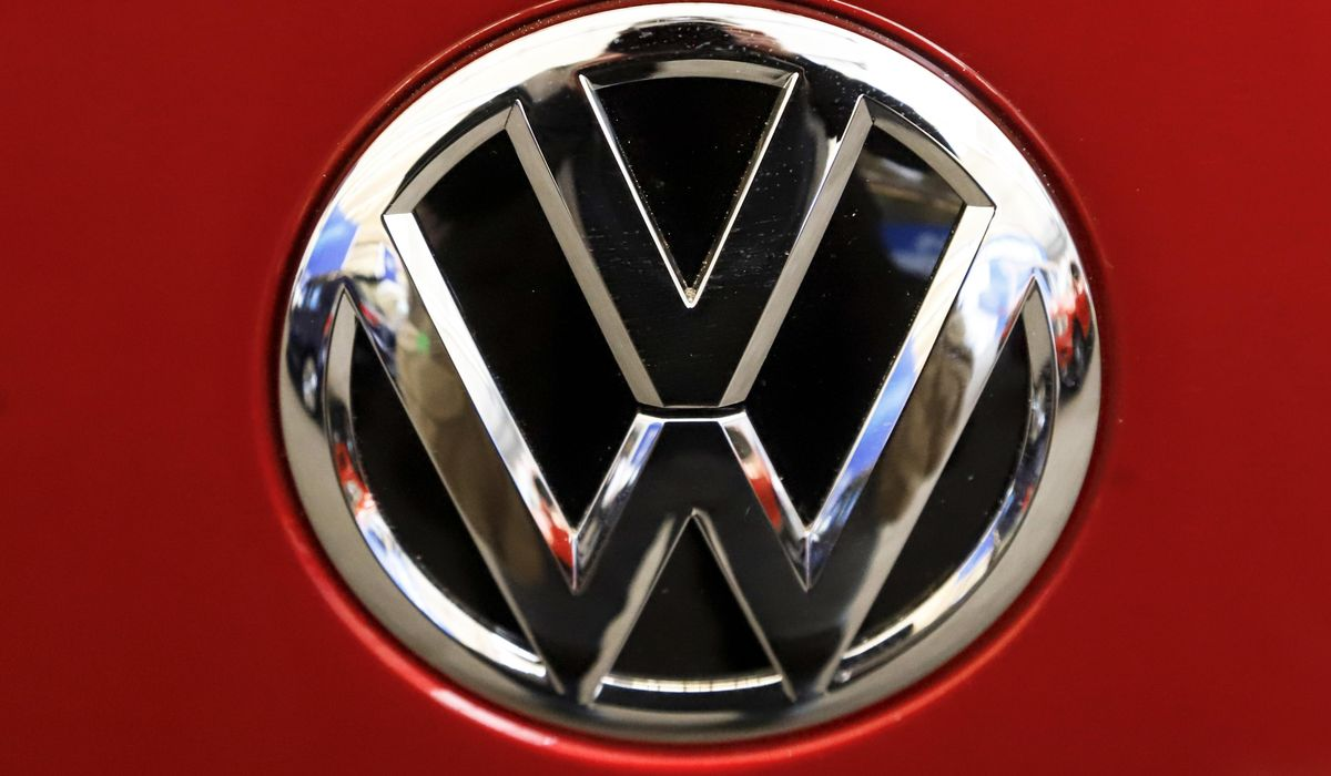 US agency opens 2 safety probes of Volkswagen, Audi vehicles 1
