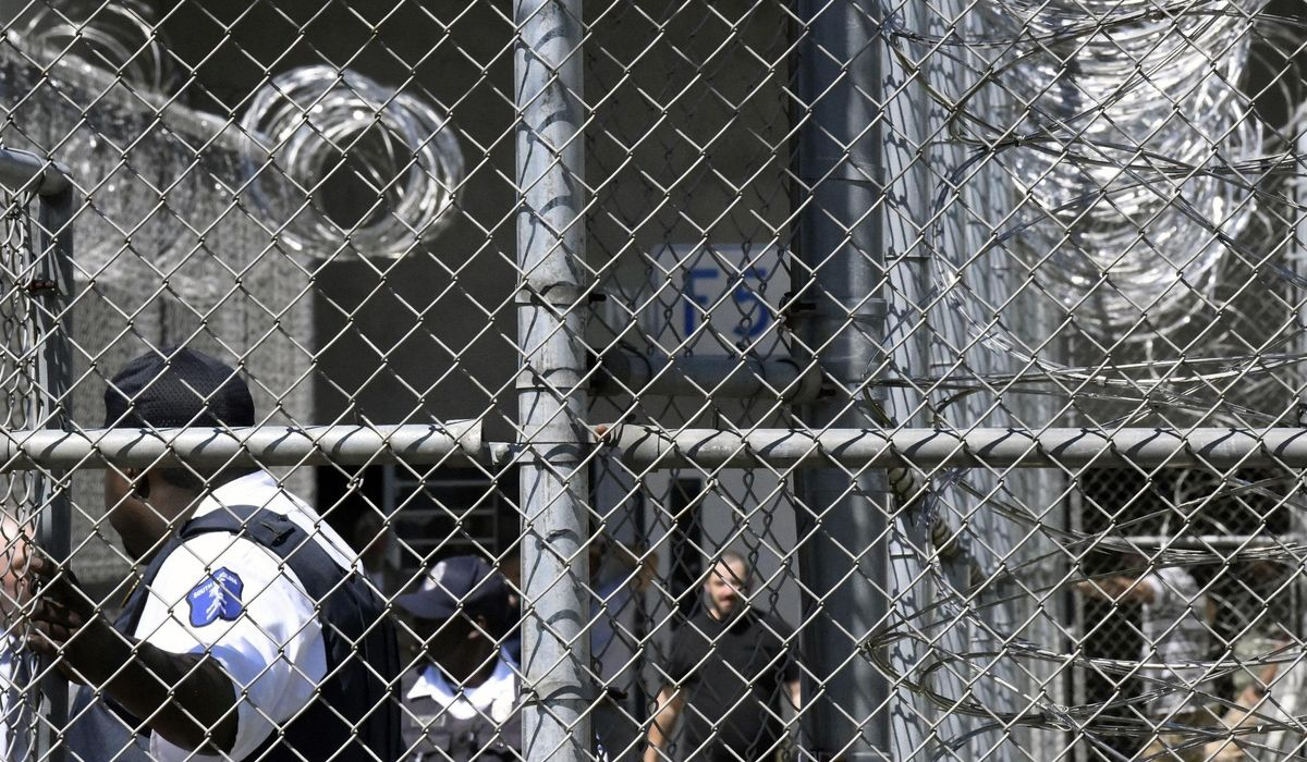 Lawsuits: SC officials ignored risks ahead of prison riot 1