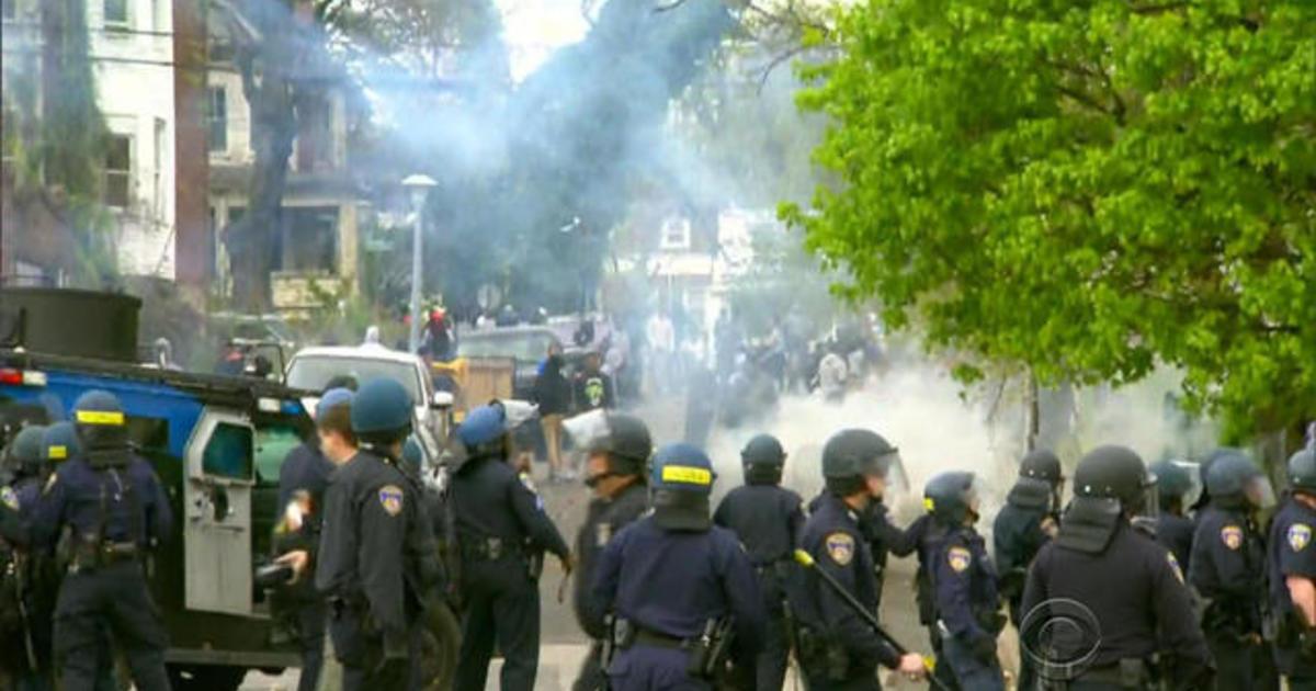 Baltimore protests turn violent 1