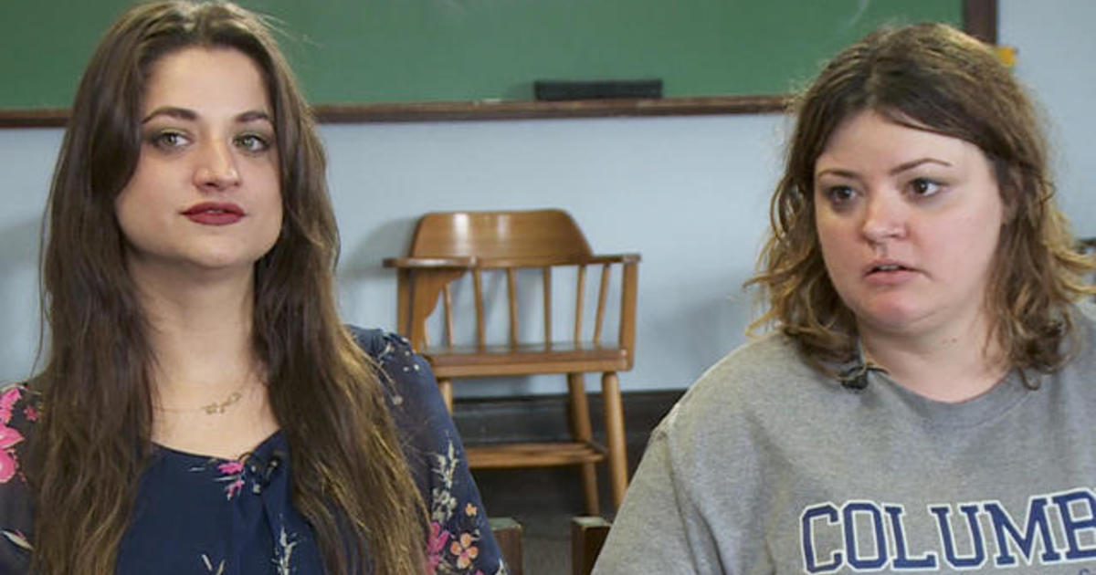Sisters separated at birth meet in college writing class 1
