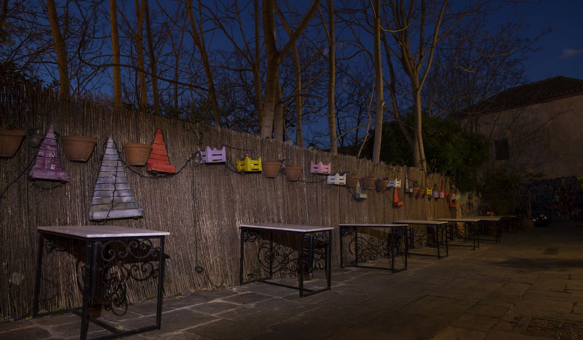 AP PHOTOS: Greek cafes still shuttered by COVID-19 measures 1