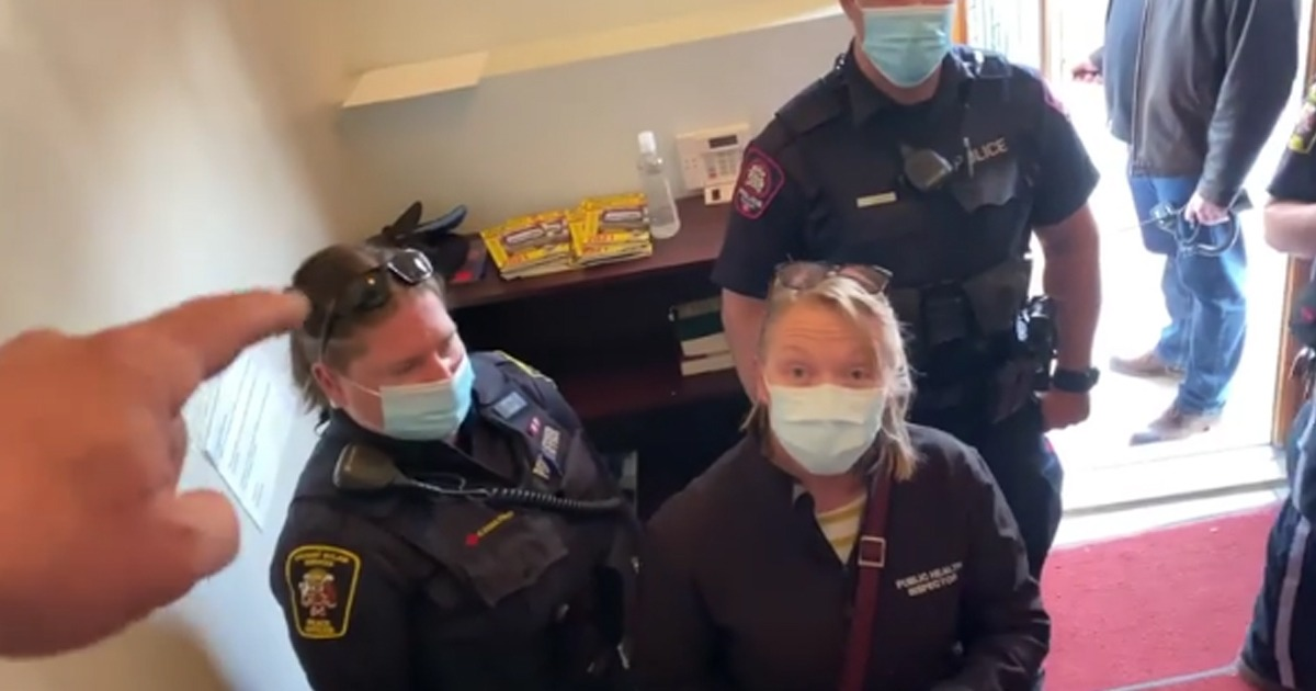 VIDEO: Polish Pastor Throws Mask Police Out Of Church On Easter, 'Don't Come Back Without A Warrant. Out, Nazi!' 1
