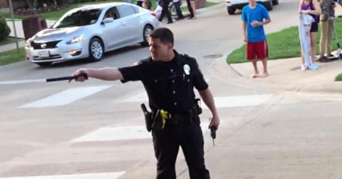 Lawyer: Officer at Texas pool party was upset after suicide calls 1