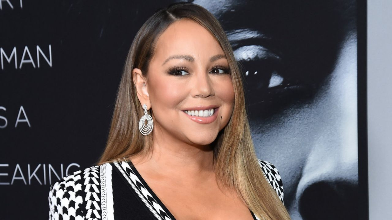 Mariah Carey, boyfriend post videos of COVID-19 vaccinations 1