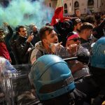 Restaurant owners clash with police in Rome lockdown protest 7