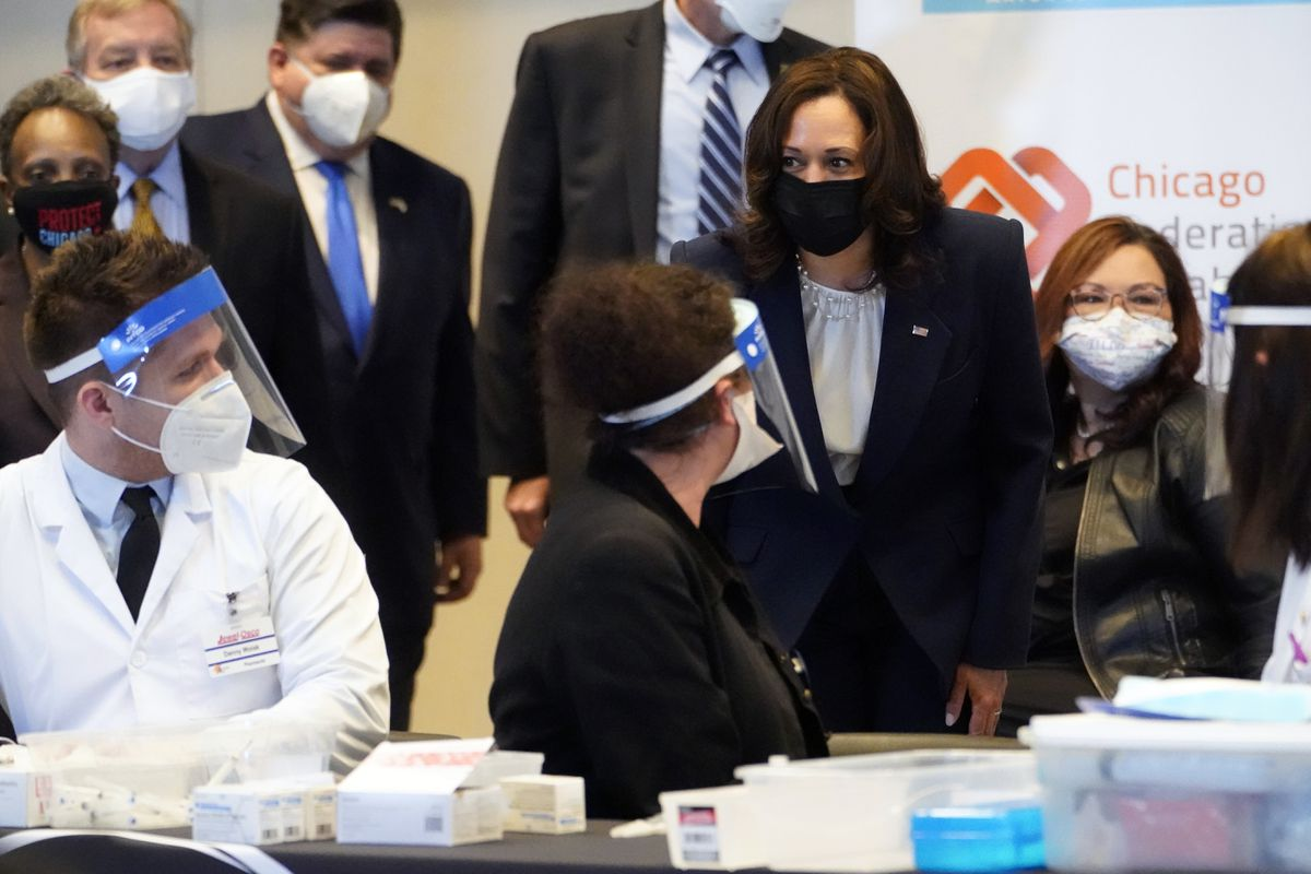 Vice President Kamala Harris visits Chicago COVID-19 vaccination facility for union workers: 'We are all in this together.' 1