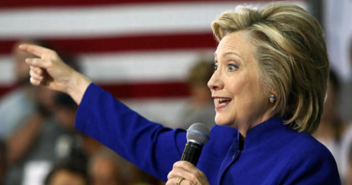 Clinton email controversy could open door for Democratic rivals 1
