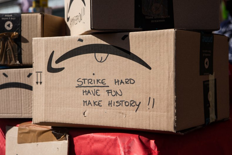 Amazon Driver Leaves Packages Upside Down to Start 'No More Smiles' Protest 1