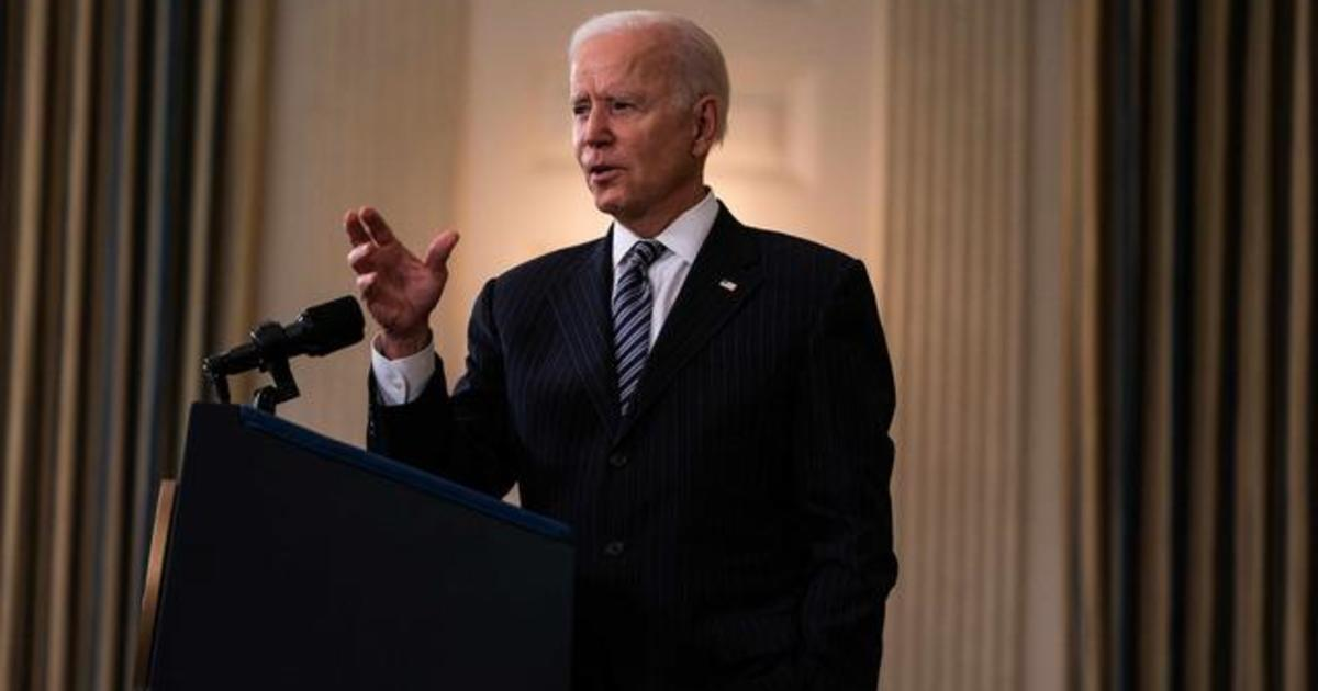 Biden moves up vaccine eligibility date in race against time as variants surge and states reopen 1
