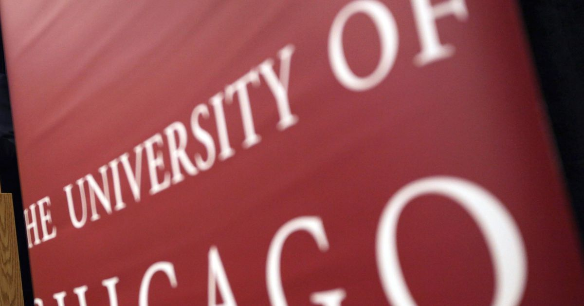Spike in COVID-19 cases causes University of Chicago to announce stay-at-home period for students 1