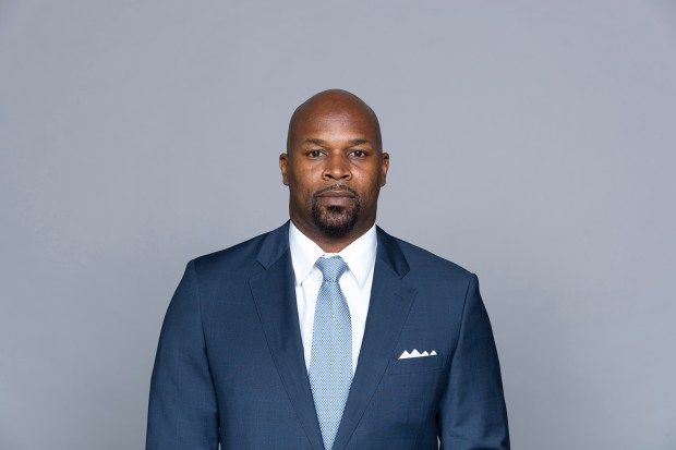 Broncos Briefs: Former NFL linebacker Roman Phifer joins front office as senior personnel executive 1