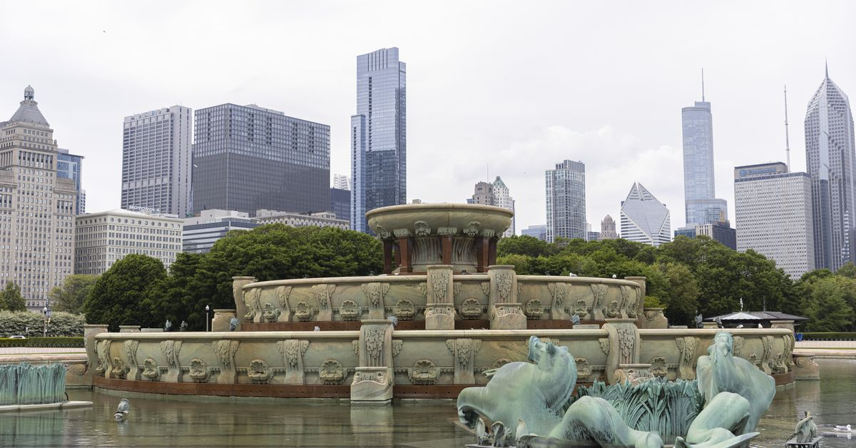 Buckingham Fountain will flow, beaches to reopen in time for Memorial Day weekend 1