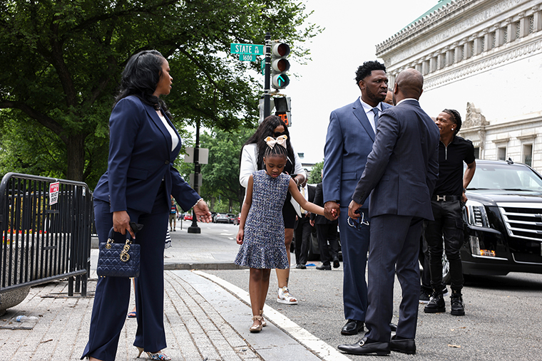 George Floyd's family is meeting with Biden and Harris now at the White House 1