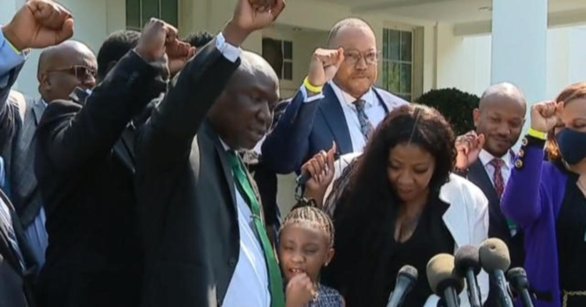 George Floyd's family meets with Biden 1 year after murder 1