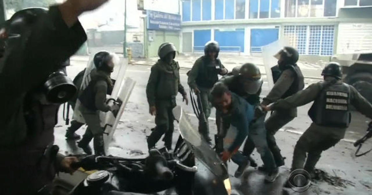 Riots break out on election day in Venezuela 1