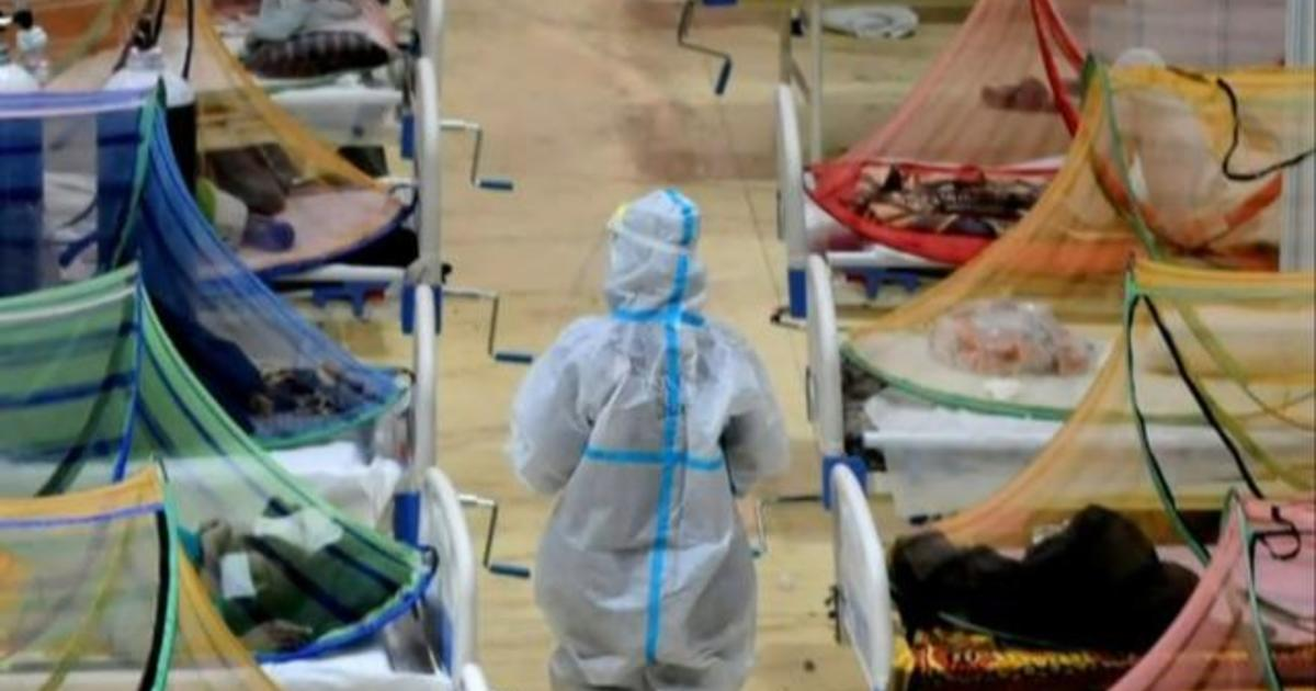 India sets record for single-day COVID-19 death toll 1