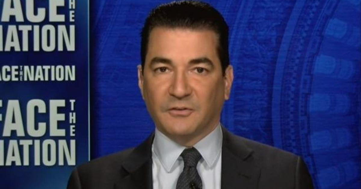 Gottlieb calls for easing restrictions on indoor gatherings as COVID-19 cases drop 1