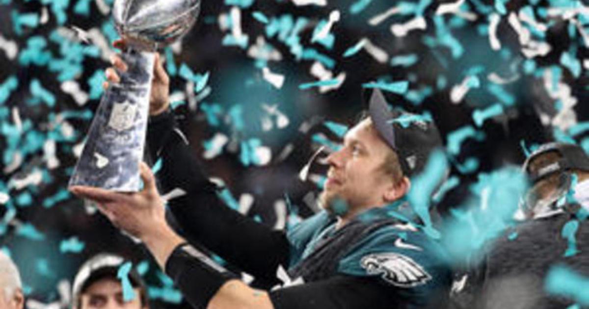 Eagles win Super Bowl, top Patriots 41-33 1