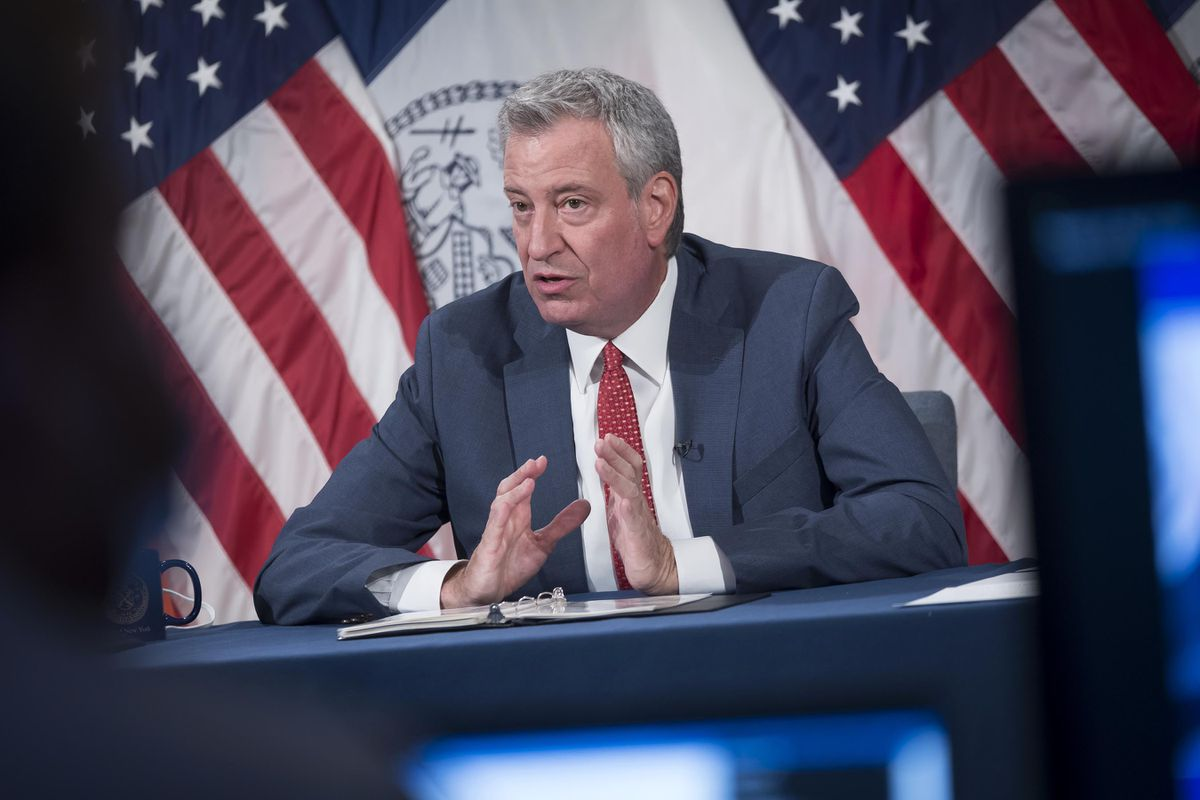 NYC Mayor de Blasio previews 'recovery budget' while protestors demand reduced funding for NYPD 1